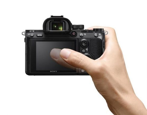 Sony Alpha A7 III ILCE7M3/B Mirrorless Digital Camera Body Only Sony Alpha A7 III ILCE7M3/B Mirrorless Digital Camera Body Only